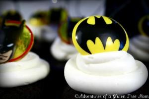Dye-Free Batman Cake4