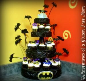 Dye-Free Batman Cake5