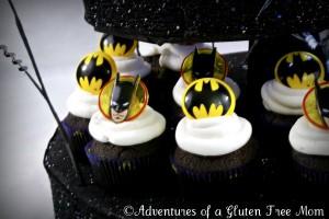 Dye-Free Batman Cake9